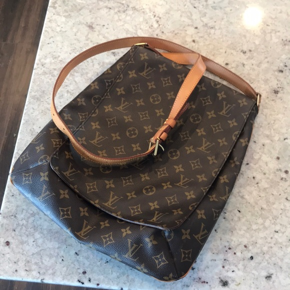 Louis Vuitton Handbags - Beautiful lv crossbody